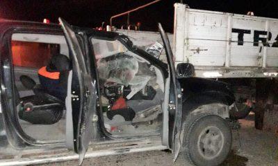 Ruta 3 Camioneta debajo de un camión