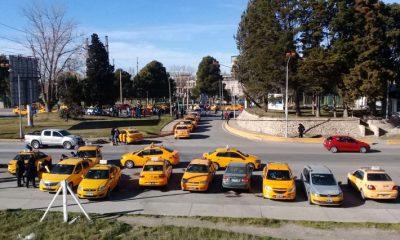 Taxistas Neuquén levantaron el corte