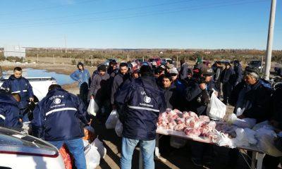 Entregaron alimentos a trabajadores que les deben sueldo y aguinaldo