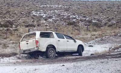 Vehículo del Banco volcó cerca del aeropuerto de Esquel