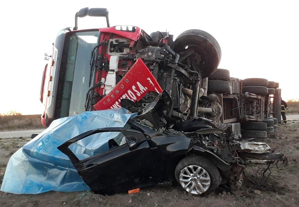 Accidente fatal camión que venía a Trelew
