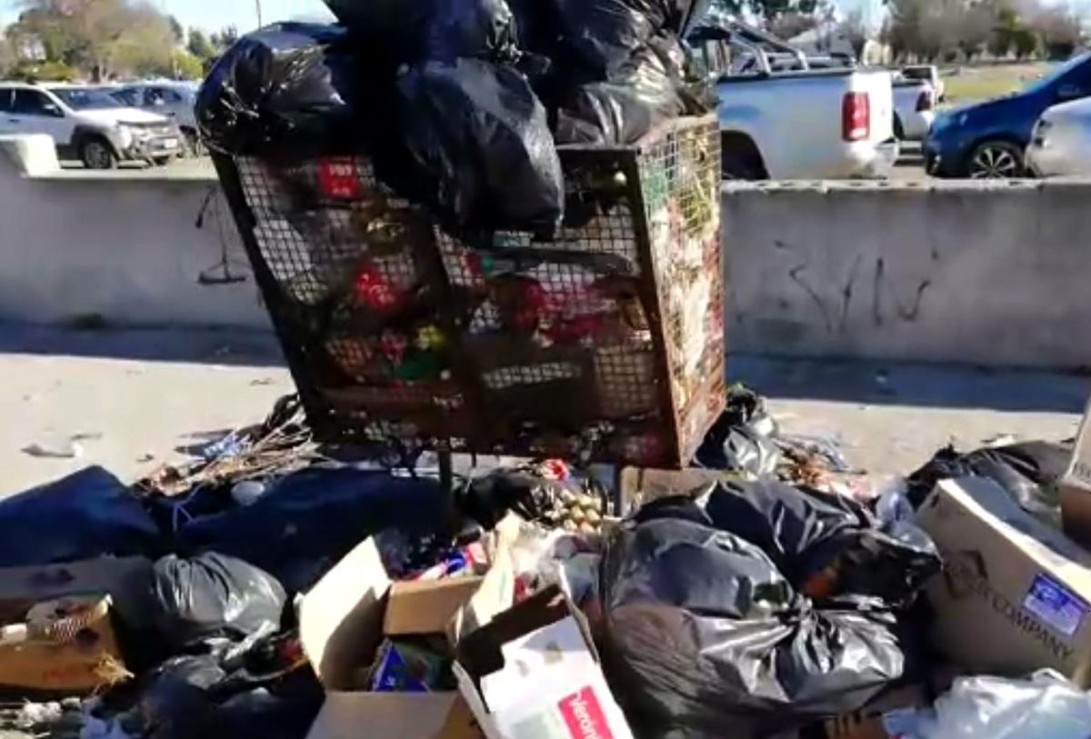 Acumulación de basura en Rawson