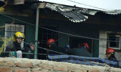 un muerto y dos heridos incendio Neuquén