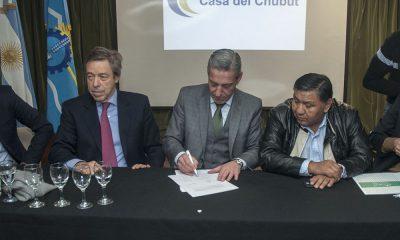 Firmaron acuerdos con operadoras para aumentar la actividad petrolera