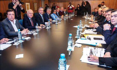 """Arcioni espera respuestas de Nación o sino """"recurriremos a la vía judicial"""""""