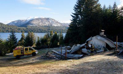 Tres cabañas destruidas por un incendio en Villa Mascardi