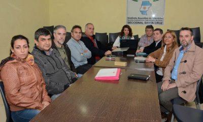 Santa Cruz convocó a paritarias a los docentes