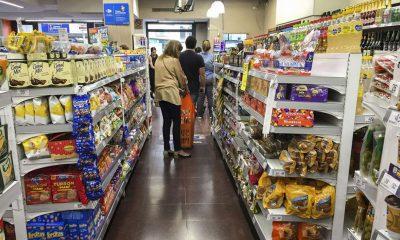 Eliminan el IVA, hasta fin de año, en alimentos de la canasta básica