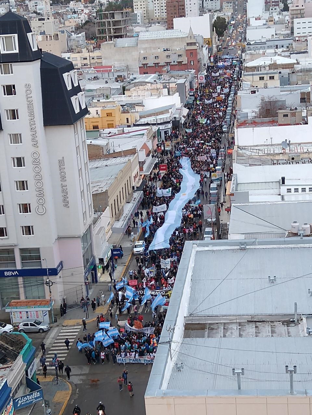 Estatales se movilizaron este sábado en Comodoro Rivadavia