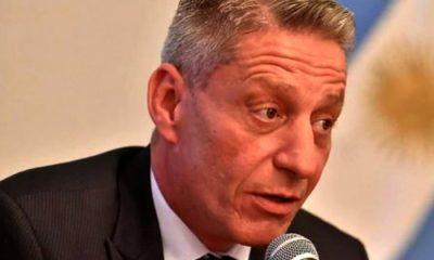 Arcioni se comprometió a donar el aumento