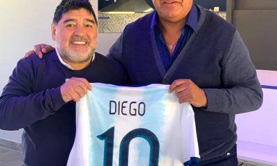 Tapia visitó a Maradona