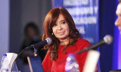 Cristina suspende actos y vuelve a viajar a Cuba