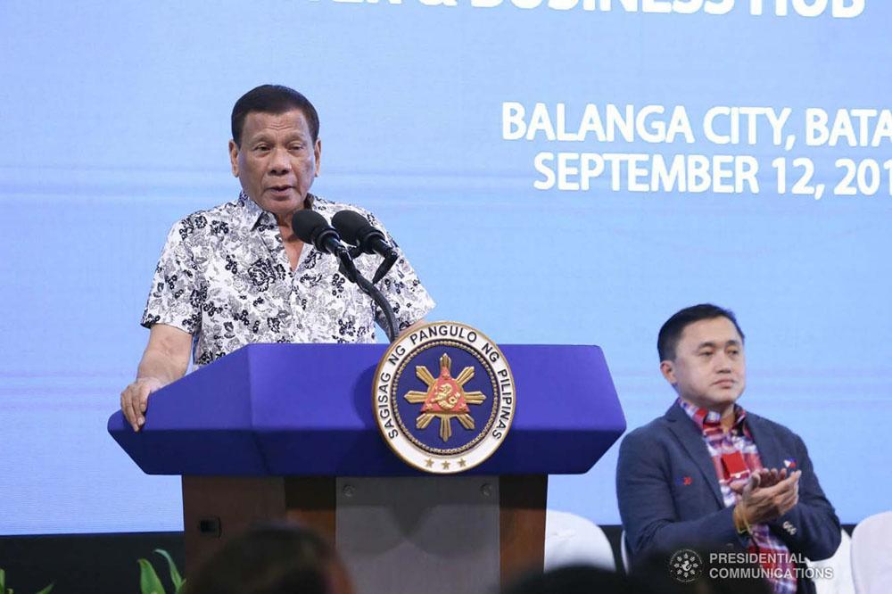 El Presidente de Filipinas instó a agredir a funcionarios corruptos