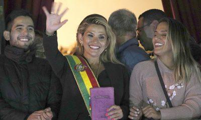 Una senadora se proclamó presidenta de Bolivia