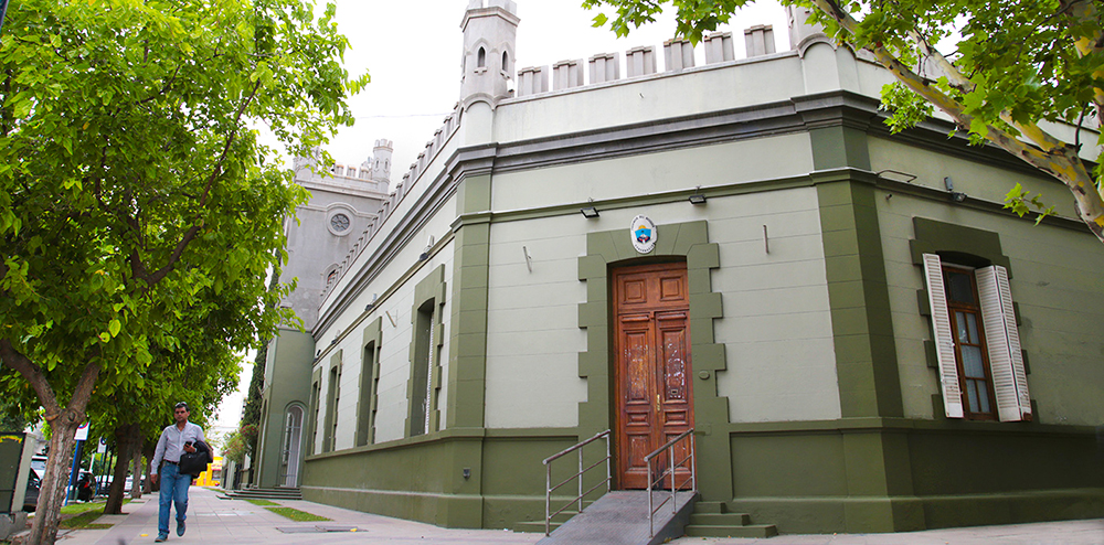 El Gobierno de Neuquén pide autorización para endeudarse en 11 mil millones