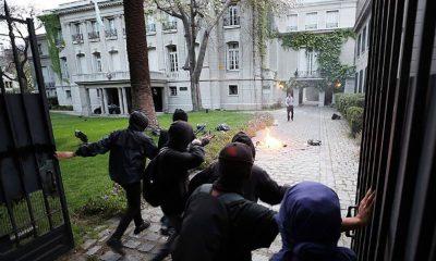 Chile: atacaron la Embajada argentina en Santiago