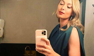 Sharapova al teléfono