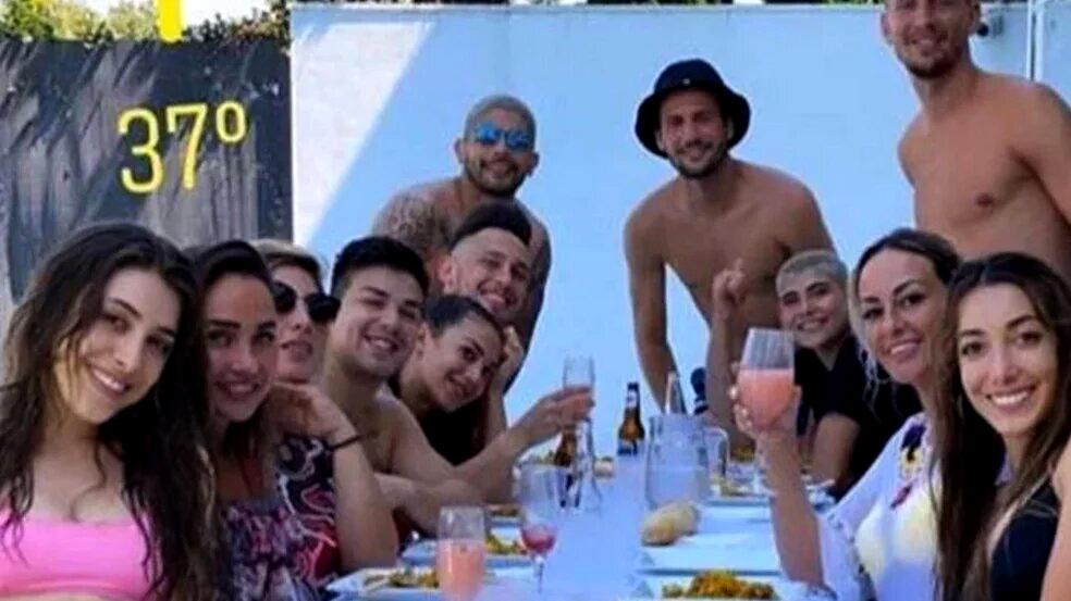 Disculpas jugadores argentinos del Sevilla