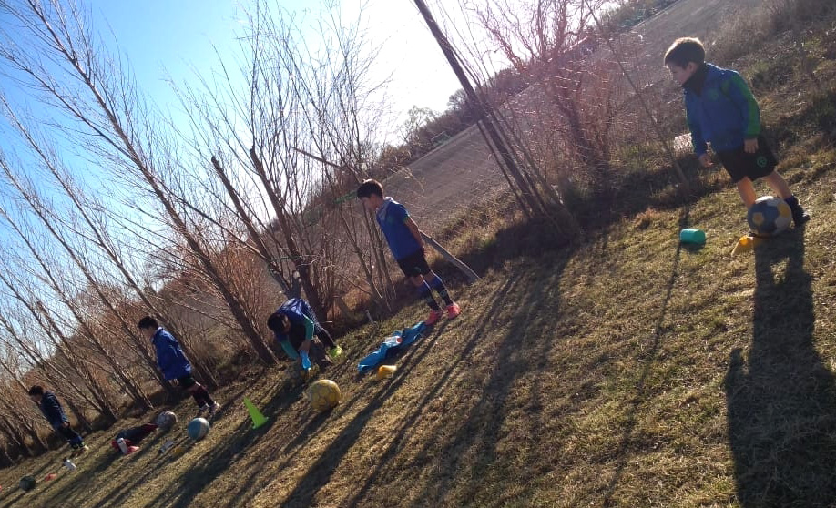 Bichitos Colorados entrenando con todos los protocolos