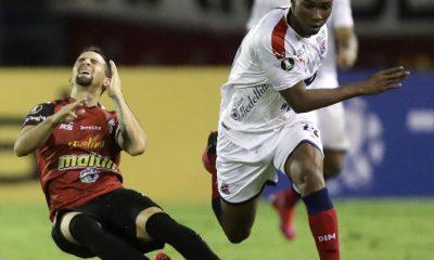 Perdió Caracas y Boca terminará primero en el grupo