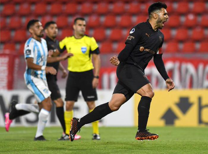 El Rojo venció a Atlético Tucumán en Avellaneda