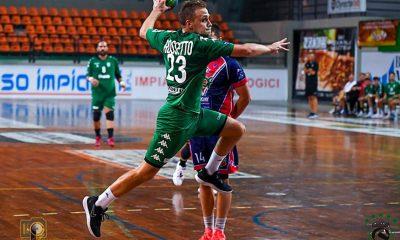 """El Conversano de Rosetto líder de la Serie """"A"""" del handball italiano"""