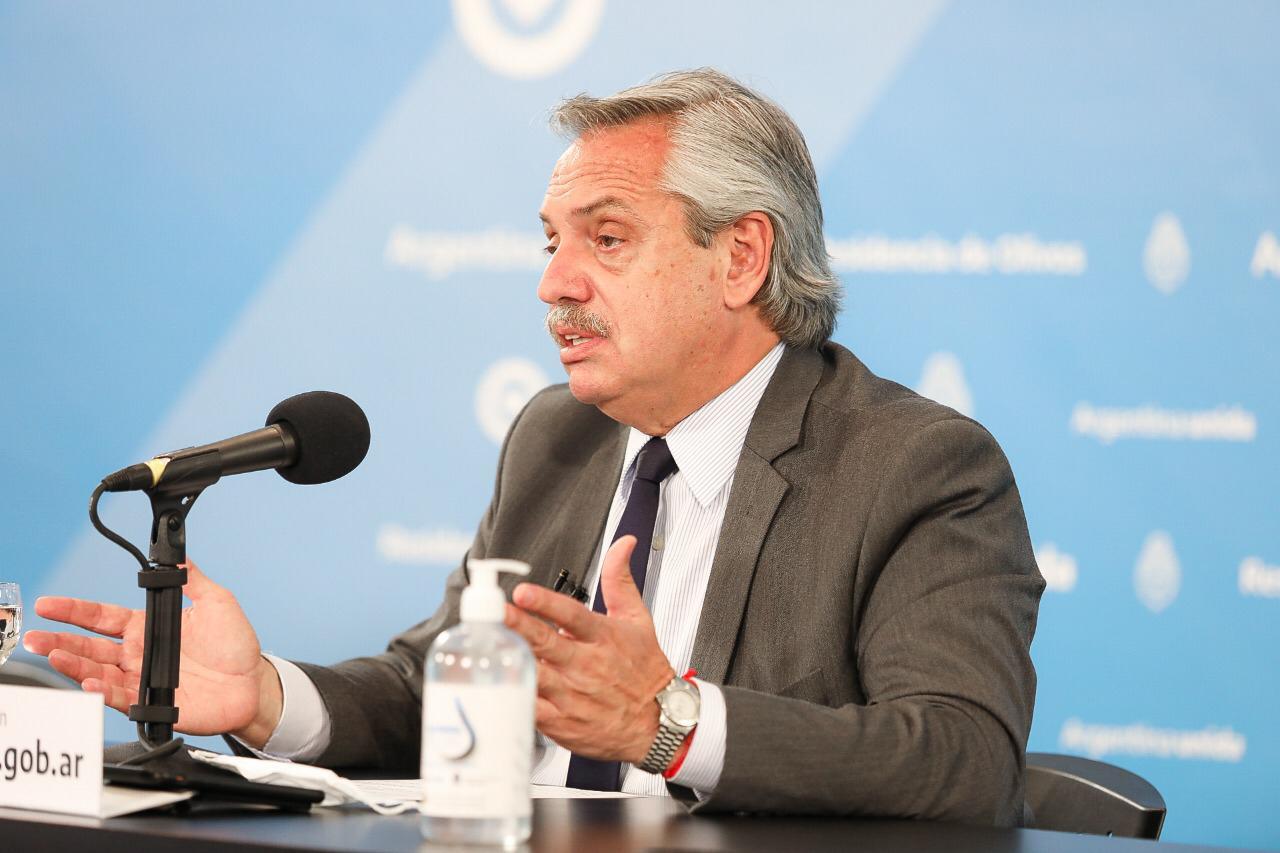 Alberto Fernández anunció la extensión del distanciamiento social hasta el  31 de enero - Radio 3 Cadena Patagonia