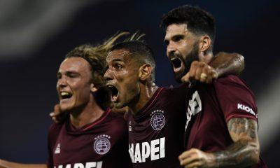 Lanús venció a Vélez en la primera semifinal de la Sudamericana