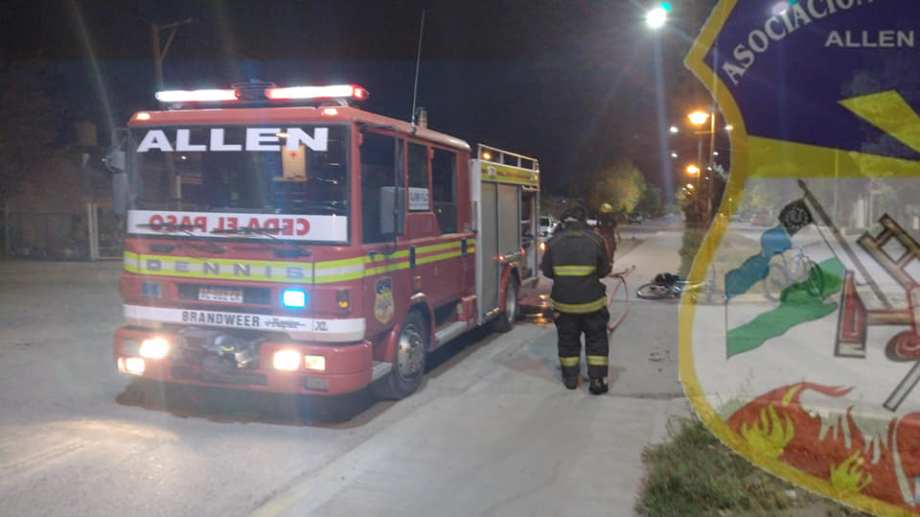 Incendiaron un auto en Allen