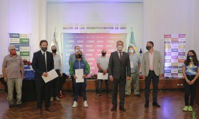 Entrega de elementos a clubes e instituciones de Chubut