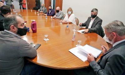 Reunión de Arcioni con su gabinete