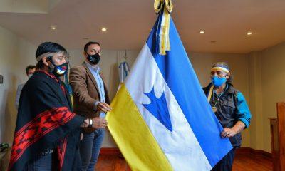 Trelew incorporó el uso institucional de la bandera de los Pueblos Originarios