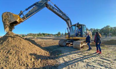 Sastre recorrió el predio en donde comenzaron a construirse 43 viviendas para familias madrynenses