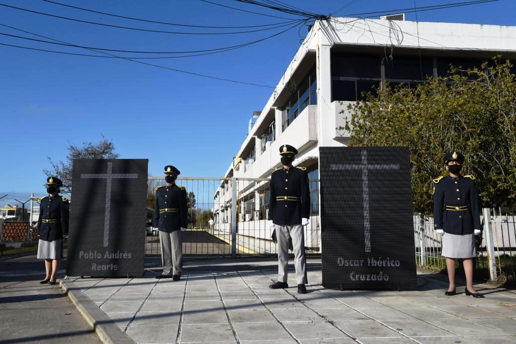 Recordaron a los policías Rearte y Cruzado
