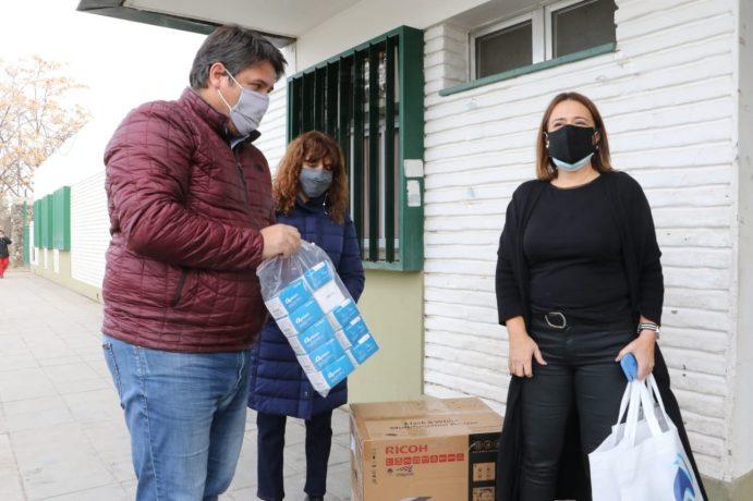 Compran instrumentos médicos por más de $4 millones para enfrentar la pandemia en Neuquén