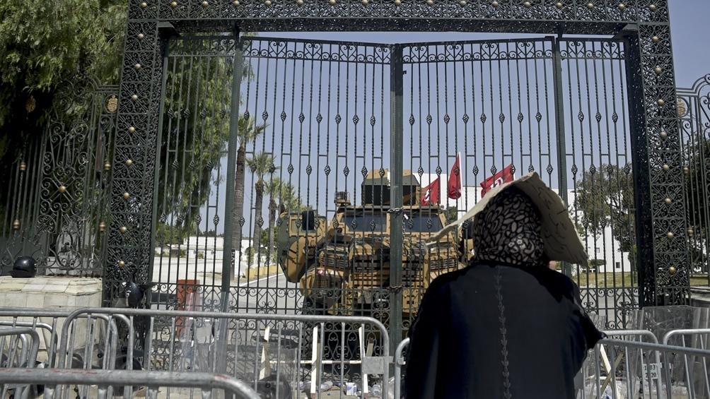 Máxima tensión en Túnez