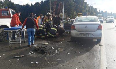 Dos lesionados tras fuerte choque en el ingreso a Lago Puelo