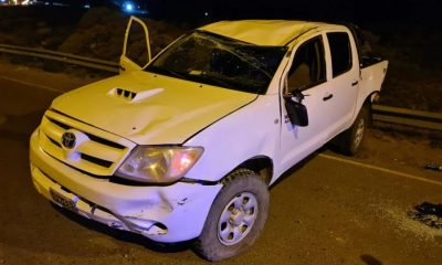 Borracho volcó en Comodoro y le pegó a un policía