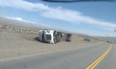 El viento hizo volcar a un camión en Esquel